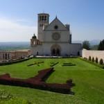 Papa Francesco invita i giovani ad Assisi per liberare l'economia