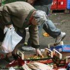 La povertà colpisce i giovani