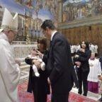 Papa Francesco sottolinea l'importanza del Battesimo