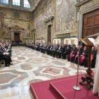 Papa Francesco: il primo diritto violato è quello alla vita