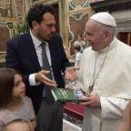 Papa Francesco: la famiglia è una bella avventura
