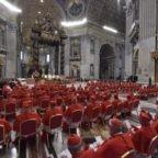 Il papa ai cardinali: siate umili