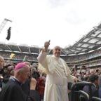 Papa a Dublino: le famiglie sono il  disegno di Dio