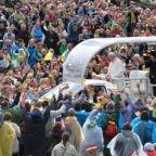 In Lettonia papa Francesco invita a scommettere sull'accoglienza
