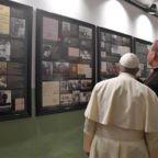 A Vilnius il papa invita ad essere speranza contro le dittature