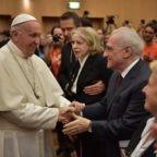 Papa Francesco agli anziani: raccontate ai giovani la speranza