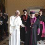 Papa Francesco ed il patriarca Mar Gewargis III pregano per i cristiani perseguitati