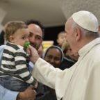 Gli auguri di Natale di papa Francesco per scoprire la bellezza della santità