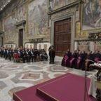Papa Francesco al Corpo diplomatico: 'La Chiesa deve difendere i più deboli e promuovere iniziative umanitarie'