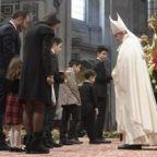 Papa Francesco: stupirsi davanti alla Madre di Dio