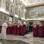 Il papa al tribunale della Rota: unità e fedeltà basi del matrimonio