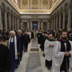 Papa: l'unità spinge alla responsabilità