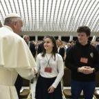 Il papa agli studenti chiede di rischiare tutto per la vita