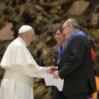 Il papa alle cooperative: mettere al centro il pensiero della donna