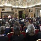 Papa Francesco: la Bibbia è Parola di vita