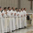 Papa Francesco ai neo presbiteri: siate portatori della gioia di Cristo