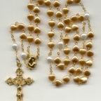 Il mese di maggio e il Coronavirus: se pregare Maria nel dolore è il segreto dei santi