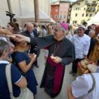 Da Trento il grido del vescovo: Dio è forestiero nella città
