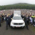 Papa Francesco in Romania invita i fedeli a pellegrinare