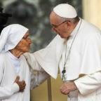 Papa Francesco ai missionari: annunciare la bellezza