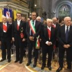 Don Jaime di Borbone rende omaggio a san Gennaro