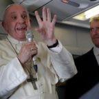 Conferenza Stampa del Santo Padre durante il volo di ritorno dal Giappone