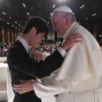 Papa ai giovani giapponesi: salite la montagna
