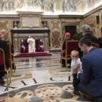 Papa Francesco ai laici: siete i custodi del servizio