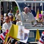 Papa ai giovani thailandesi: Gesù è olio per illuminare