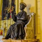 Nella Concattedrale di Gerusalemme la replica esatta della statua di san Pietro in Vaticano
