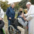 Papa Francesco: il presepe è un segno mirabile