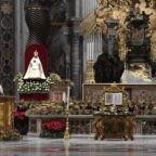 Papa Francesco nel Te Deum: Dio pone la tenda nella città