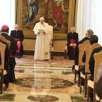 Papa Francesco ai teologi: offrire il pasto solido della fede