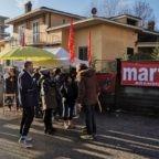 Mons. Nosiglia solidale con operai delle fabbriche in crisi