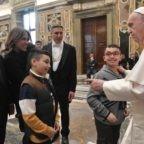Papa Francesco: la Chiesa ha bisogno di sante coppie