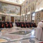 Papa Francesco: la vita umana è preziosa