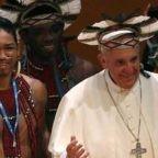 Papa Francesco mostra davanti al mondo tutto lo splendore, il dramma, il mistero dell'amata Amazzonia