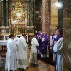Mons. Corazza: la fede non è sinonimo di paura