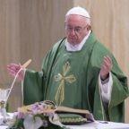 Papa Francesco prega per chi non ha un alloggio