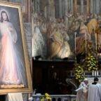 Papa Francesco: la misericordia di Dio non lascia indietro nessuno