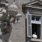 Papa Francesco invita a lasciarsi accompagnare da Gesù