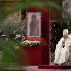 Papa Francesco prega per i sacerdoti 'santi' e calunniati