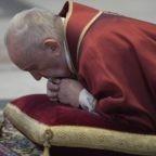 P. Cantalamessa: Cristo indica la vita eterna