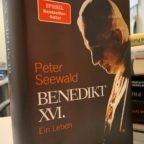 """Papa emerito Benedetto XVI: mi sono dimesso, ma ho mantenuto la """"dimensione spirituale"""" del Papato"""