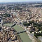Vaticano, Covid-19 e investimenti immobiliari. La comunicazione della Santa Sede incompleta, assurda e paradossale