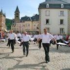 La processione danzante di Echternach a ritmo di tango tra Papa, CEI e Governo. Una presa in giro e una farsa ignobile