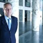 """Il nuovo Segretario """"laico"""" dell'APSA dovrebbe guidare la transizione verso un nuovo modo di gestire le finanze vaticane"""