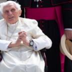"""Concluso - dopo """"il tempo necessario"""" con suo fratello Georg - il breve viaggio di Benedetto XVI a Regensburg"""