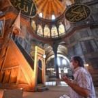 La riconversione in moschea della basilica cristiana Hagia Sophia e l'invito del Presidente islamico turco al Papa cattolico romano