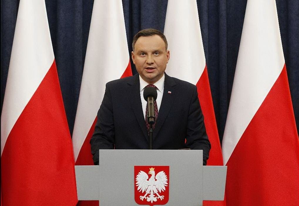La Polonia rimane omofoba: il conservatore Duda confermato presidente